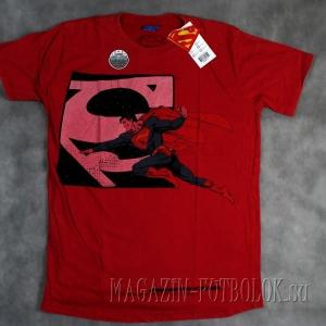 футболка с логотипом супермена
