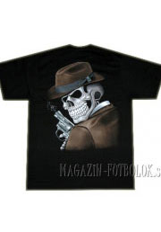 футболка череп в шляпе с пушкой