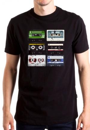 футболка с кассетами