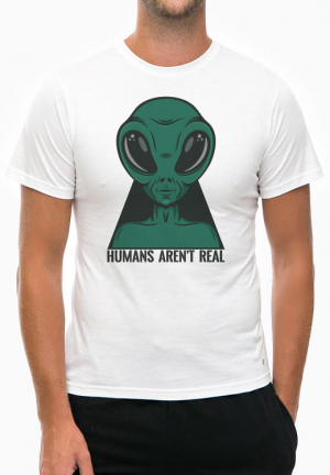 футболка humans arent real