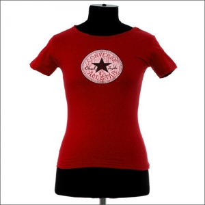 красная женская футболка convers