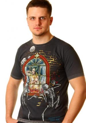прикольная футболка snooping skeletons