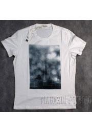 летняя футболка alone in the rain