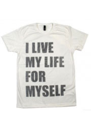 футболка с креативной надписью i live