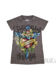 классная футболка для девушек heart-knife